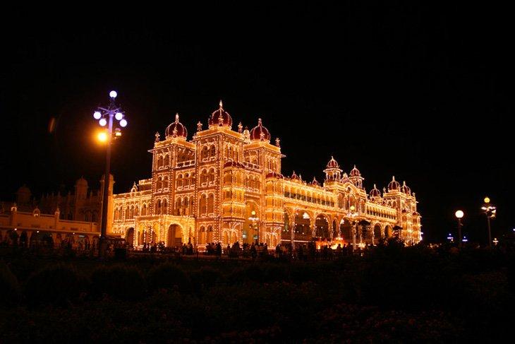 Mysore-Dasara-Illumination-Mysore-Palace